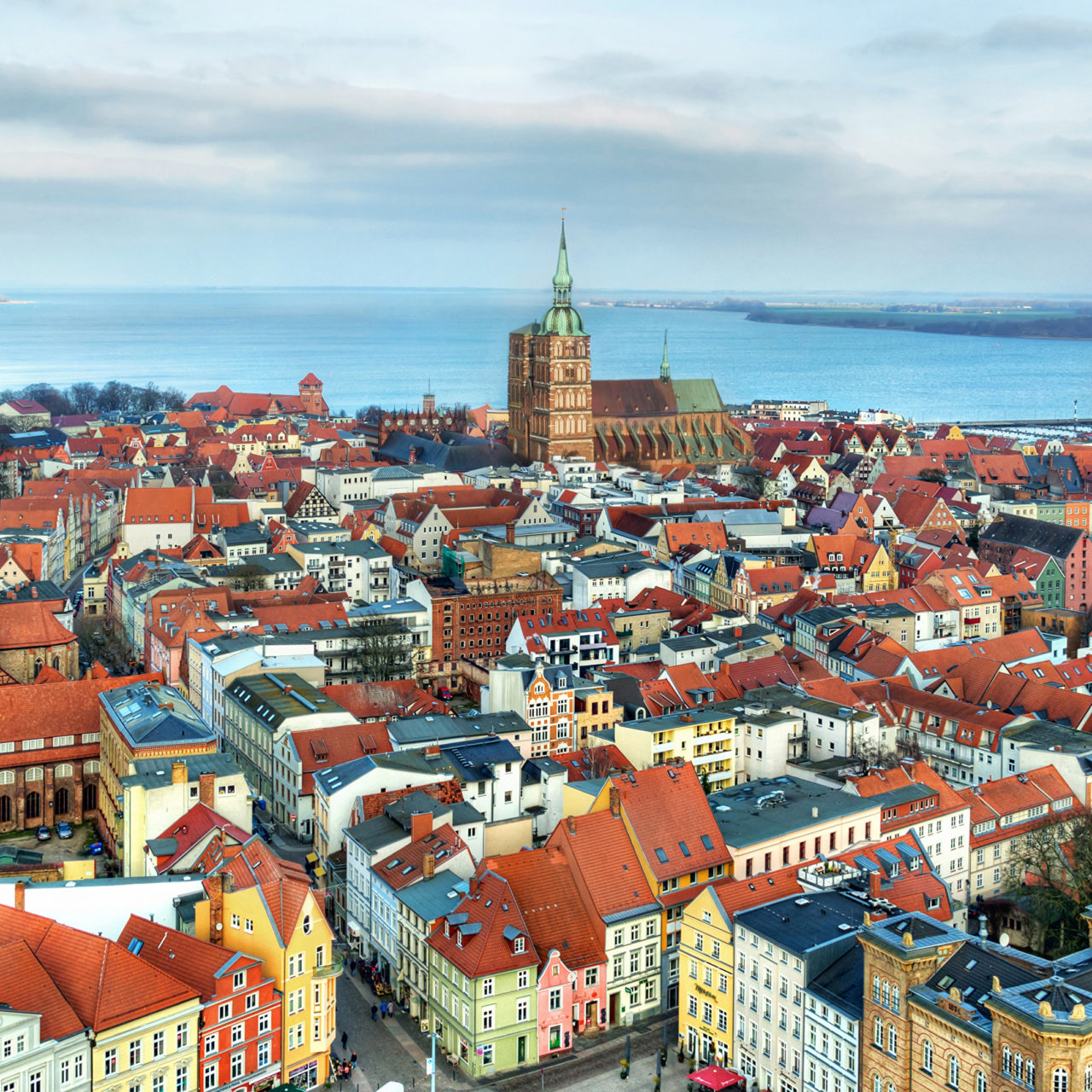 https://triumph-tour.ru/wp-content/uploads/2020/07/germany_houses_rivers_stralsund_from_above_515610_3840x2160-1280x1280.jpg